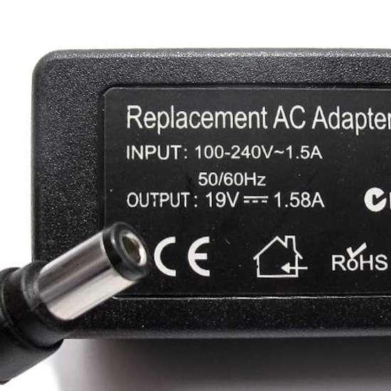Punjač za laptop Toshiba 19V 1.58A (6.3-3.0)