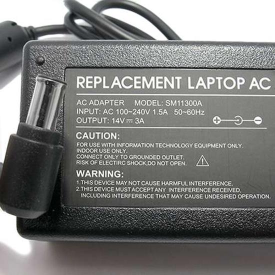 Punjač za laptop za SM 14V 3A (6.5-4.4 PIN) ugao 90 HQ SM11300A